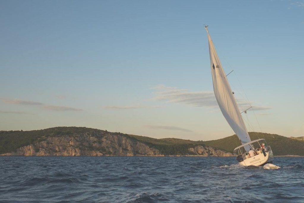De kustlijn van Griekenland - Flottielje zeilen